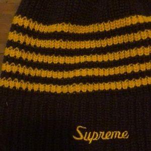 6c2a8826a1e Supreme Accessories - Supreme Pom beanie